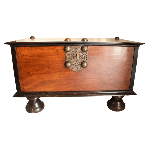 Fresh 19th Century British Colonial Indian Storage Trunk Of Solid  RR15