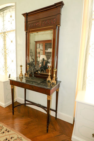 The Antique Shop Tables Console with Mirror