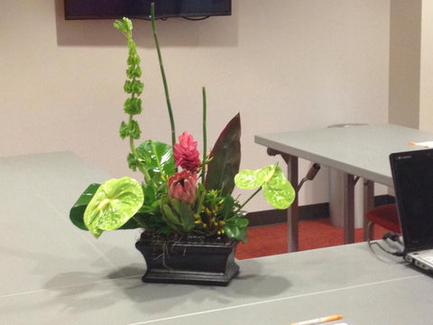 Tropical Table Toppers