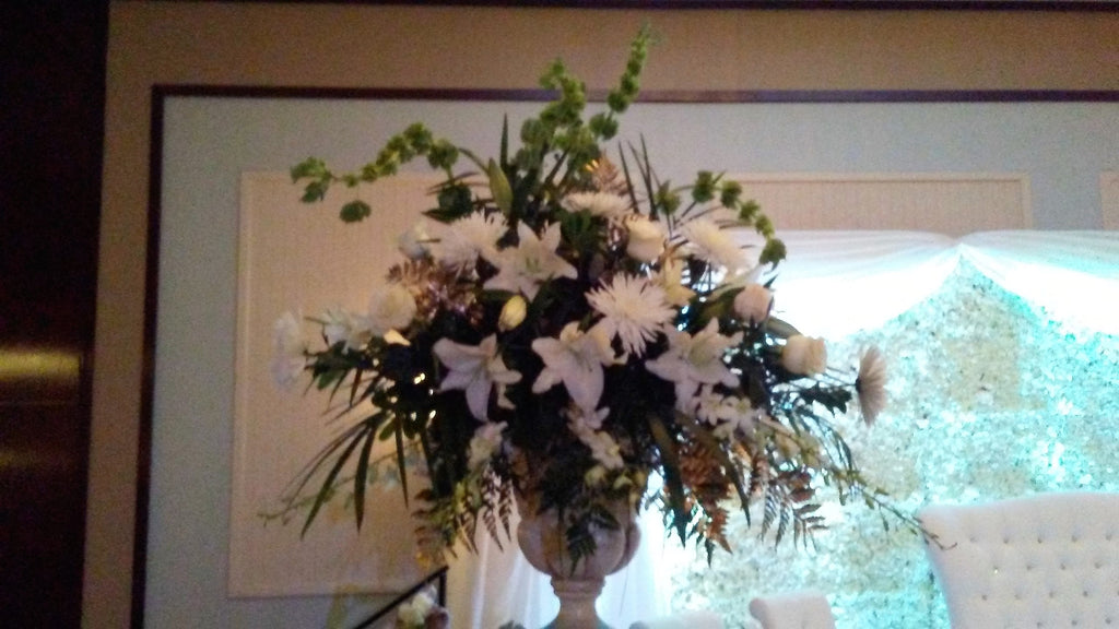 All white premuim sympathy arrangement