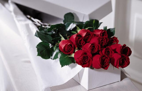 Beautifully Boxed Dozen Roses