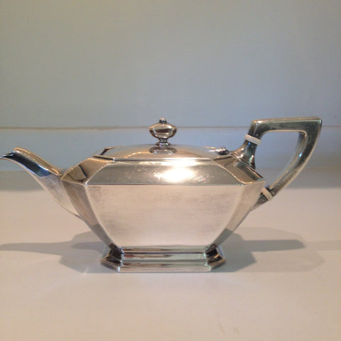 American Silver Six Piece Tea and Coffee Service, Gorham Mfg. Co., Providence, R.I., 1951-1954, in the Fairfax pattern, with Matching Silver Two-Handled Tray, retailed by Black, Starr & Frost, mid-20th century