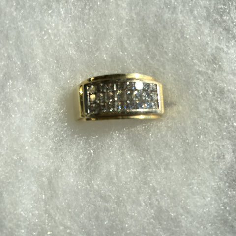Men's 18K Yellow Gold Princess Cut Diamond Ring, 20th century