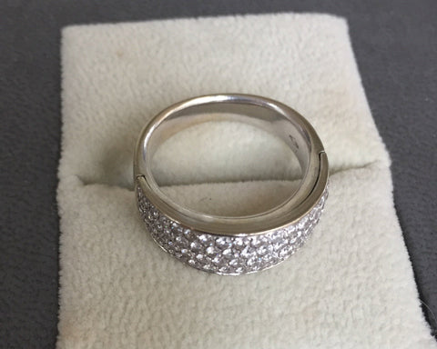 18K White Gold Diamond Ring, contemporary
