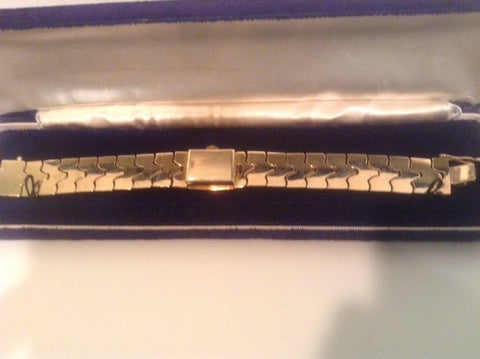 Ladies 14K Yellow Gold Bracelet Wristwatch with Hinged Cover, Switzerland, ca. 1960