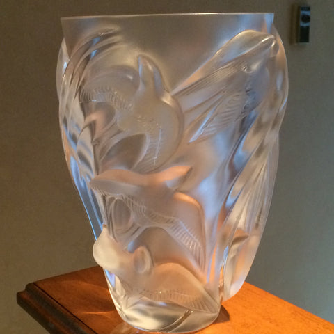 "French Frosted Glass Vase, in the ""Martinets"" pattern, manufactured by Lalique, ca. late 20th century"