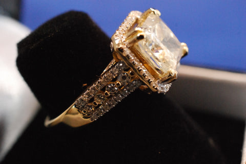 14K Yellow Gold Diamond Solitaire Ring, 20th century