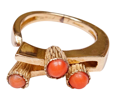 Ladies 14K Yellow Gold and Coral Ring