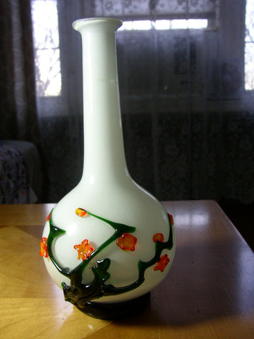 Chinese Peking Double Overlay Glass Flower Vase, late 19th/early 20th Century