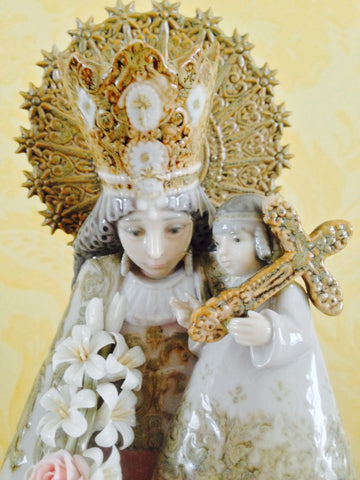 Spanish Polychrome Painted Porcelain Figure Of Holy Mary Francisco Catal‡ and J. Ruiz, no. 1394, manufactured by Lladro—, issued 1982