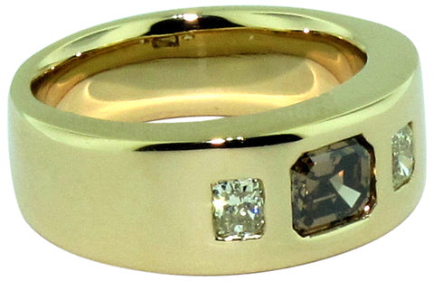 Men's 18K Yellow Gold Cognac and Yellow Diamond Ring