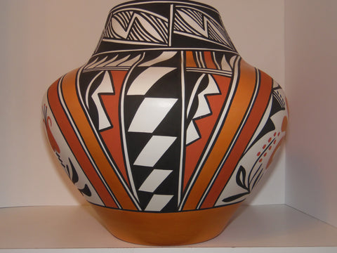 Black and White Pottery Olla, attributed to Lawrence and Loretta Joe, New Mexico, ca. 2015
