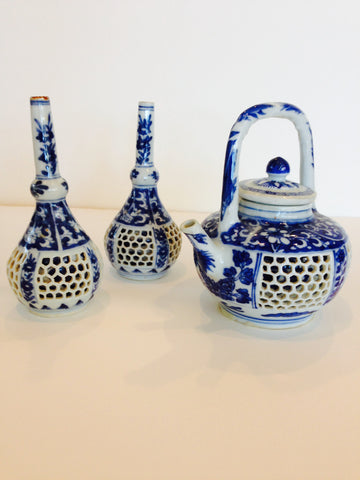 Chinese Blue and White Reticulated Teapot and Vases, Kangxi Period (1662-1773)