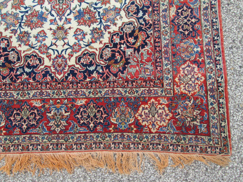Antique Isfahan Rug, Central Iran, first quarter 20th century