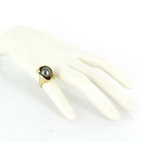 18K Yellow Gold and Tahitian Black Pearl Ring, contemporary