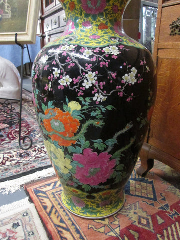 Japanese Colored Glaze Porcelain Jar, early 20th century, with a seal Matsu and Japan