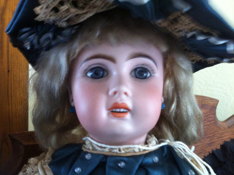 French Tete Jumeau Bisque Doll, 1907