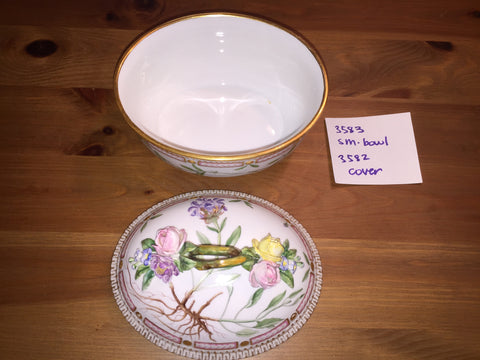 "Danish Porcelain ""Flora Danica"" Oval Sauce Tureen with Cover, Royal Copenhagen, pattern no. 20, shape nos. 3582 & 3583, fully marked"