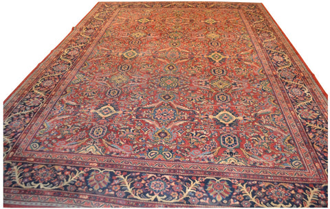 Large Mahal Rug, western Iran, 2nd quarter 20th century, 10.5 ft. x 14.75 ft.