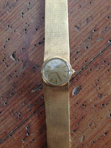 18K Gold Ladies Dress Wristwatch and Bracelet Swiss Made, retailed by Van Cleef & Arpels, circa 1970