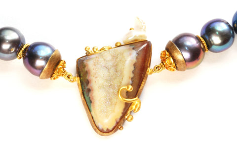 22K and 18K Yellow Gold and Silver Tahitian Pearl Necklace, designed by Mary Anne Richman, with Druzy Quartz, 20th century