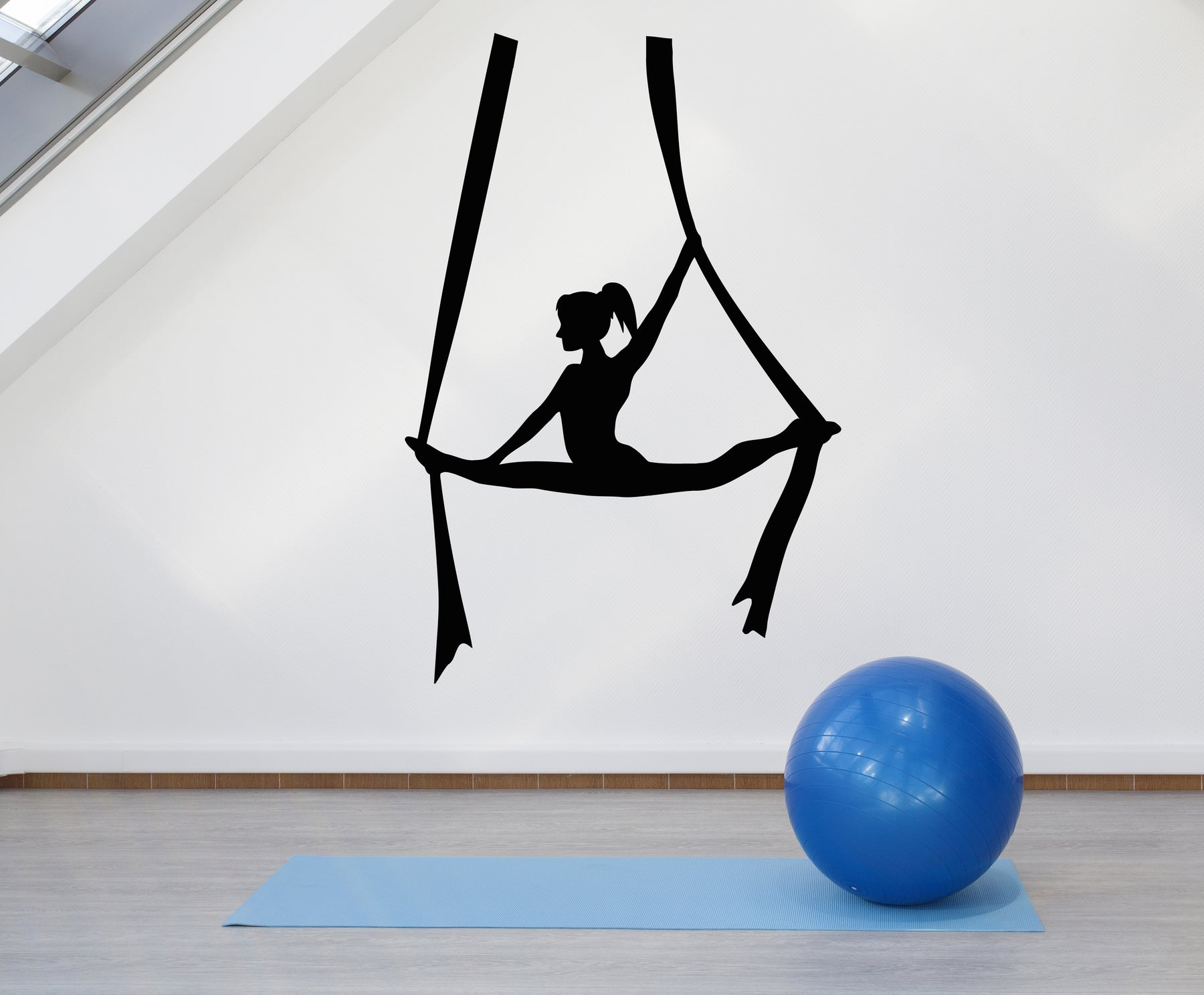 Vinyl Wall Decal Fly Aerial Yoga Balance Pose Girl Zen Centre Meditation Stickers Mural (g876)