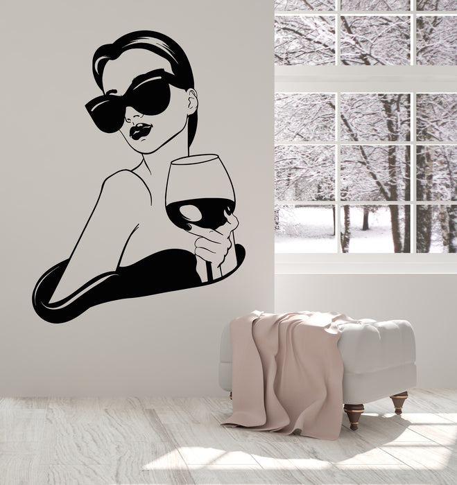 Vinyl Wall Decal Girl Fashion Lady With Glass Of Wine Bar Drink Stickers Mural (g2897)