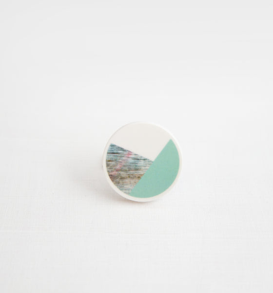 Palomino No.4 / Ceramic Brooch