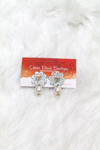 Bow & Flower Pearl Earring - Light Blue