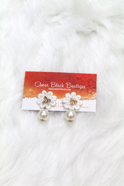 Bow & Flower Pearl Earring - White - Amor Black Boutique