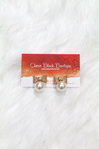 Bow Shape Pearl Earrings - Gold - Amor Black Boutique