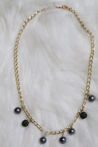 Gold Pearl Chain Necklace - Gray - Amor Black Boutique