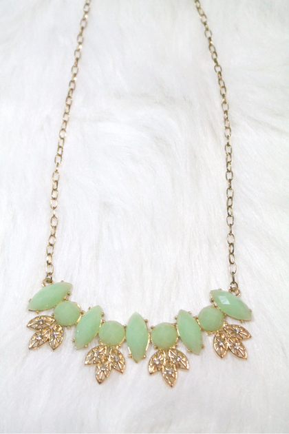 Casting Gem Necklace - Light Green - Amor Black Boutique