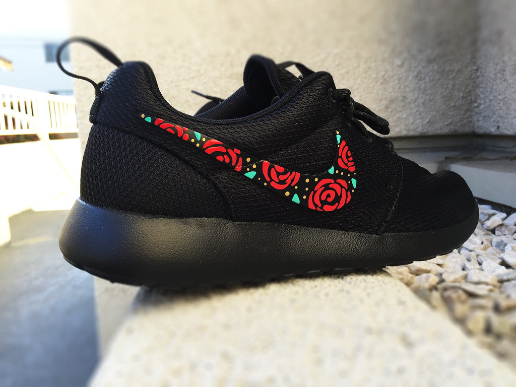 cheap for discount c6671 53559 Nike Roshe Custom Design, Floral Design, Roses, Hand Painted, Gold Speckles,