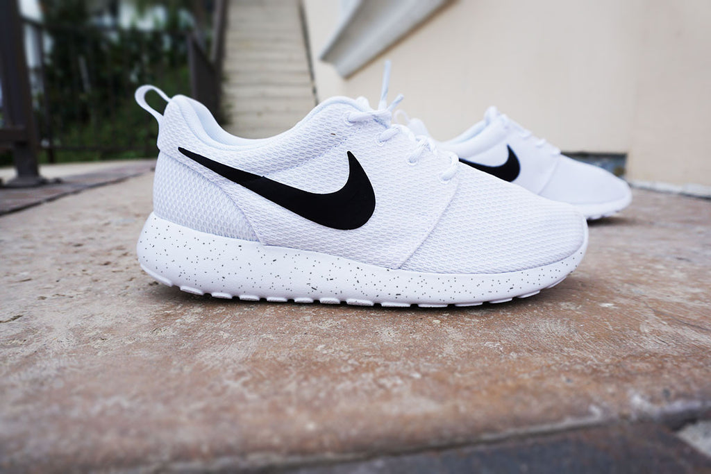 493462ad620f Womens Custom Nike Roshe Run sneakers