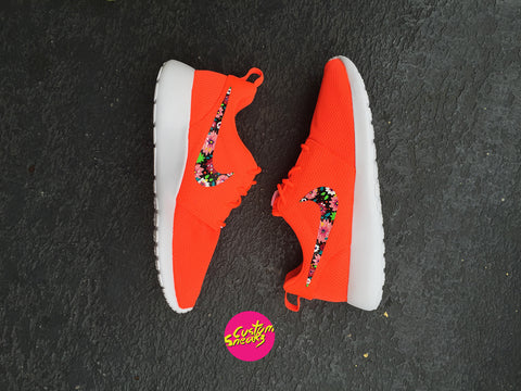 Custom Roshe, Lava red Womens Custom Nike Roshes, Floral design