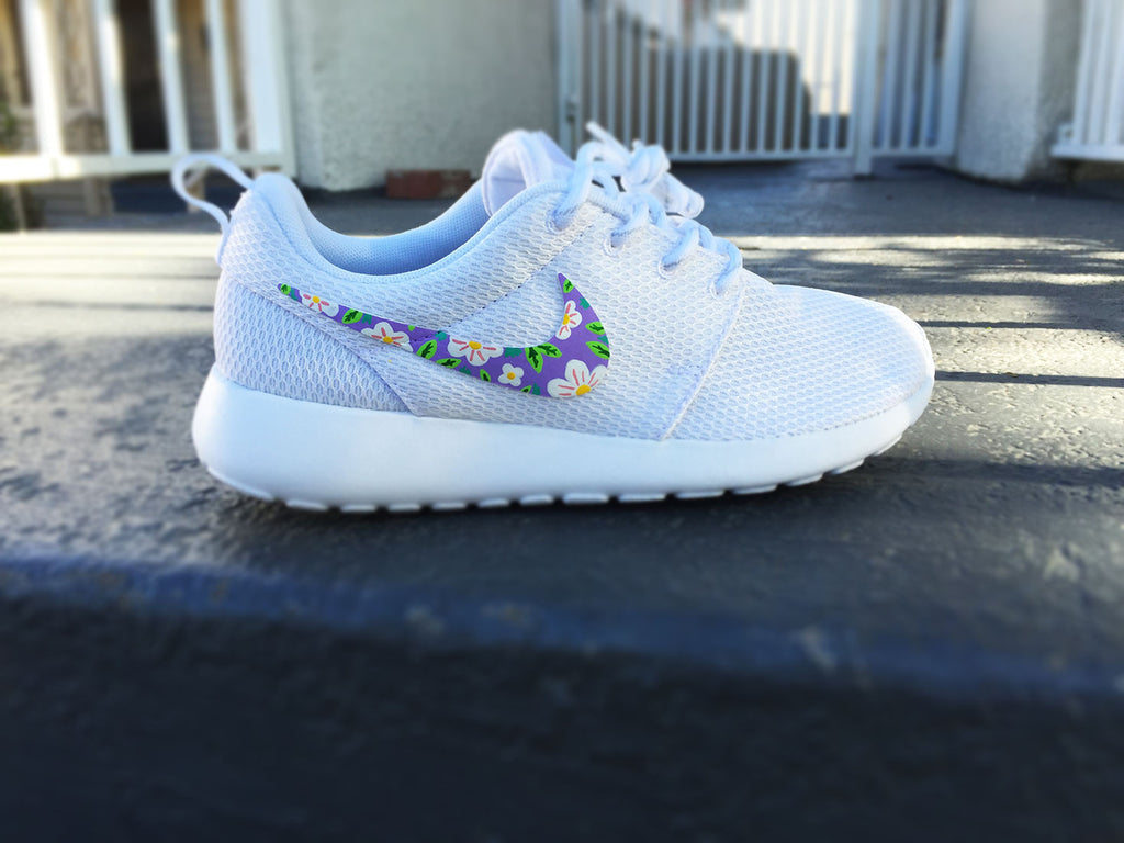 Custom Nike Roshe Run, Lilac floral design, cute flower design, lilac, mauve, yellow, green, purple and white,