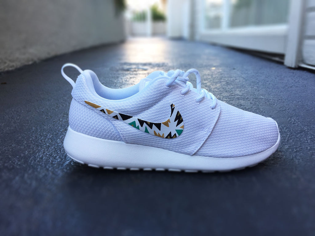 new concept 3800a afada Custom Nike Roshe Run sneakers for women, All white, Black and Gold, Silver
