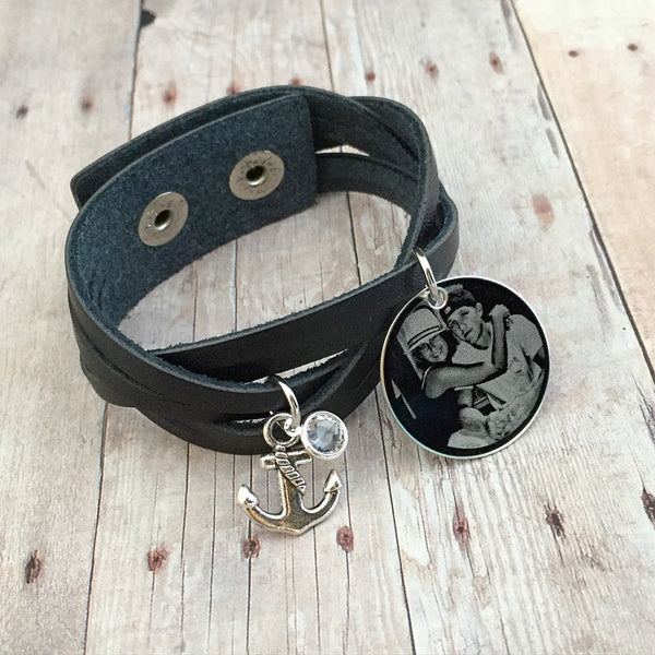 (BLACK) Custom Engraved Vintage Leather Wristband