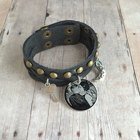 (BLACK) Custom Engraved Europe Style Leather Wristband