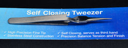Self-closing tweezer