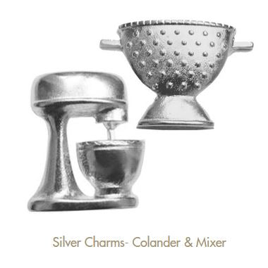 Metal charms C125 mixer and colander by Fabscraps