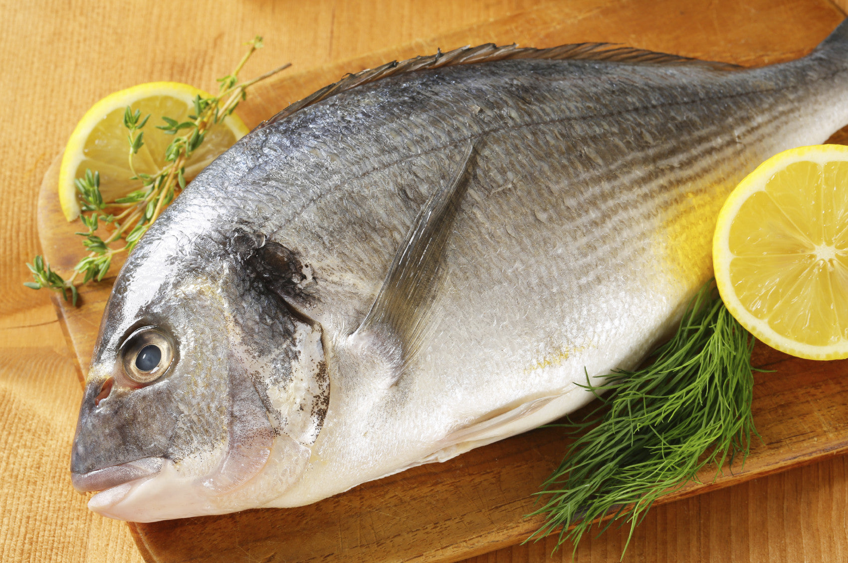 How to spot fresh fish at the market