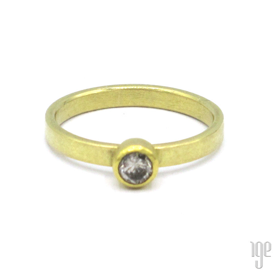 Petra Class Gray Round Diamond Ring