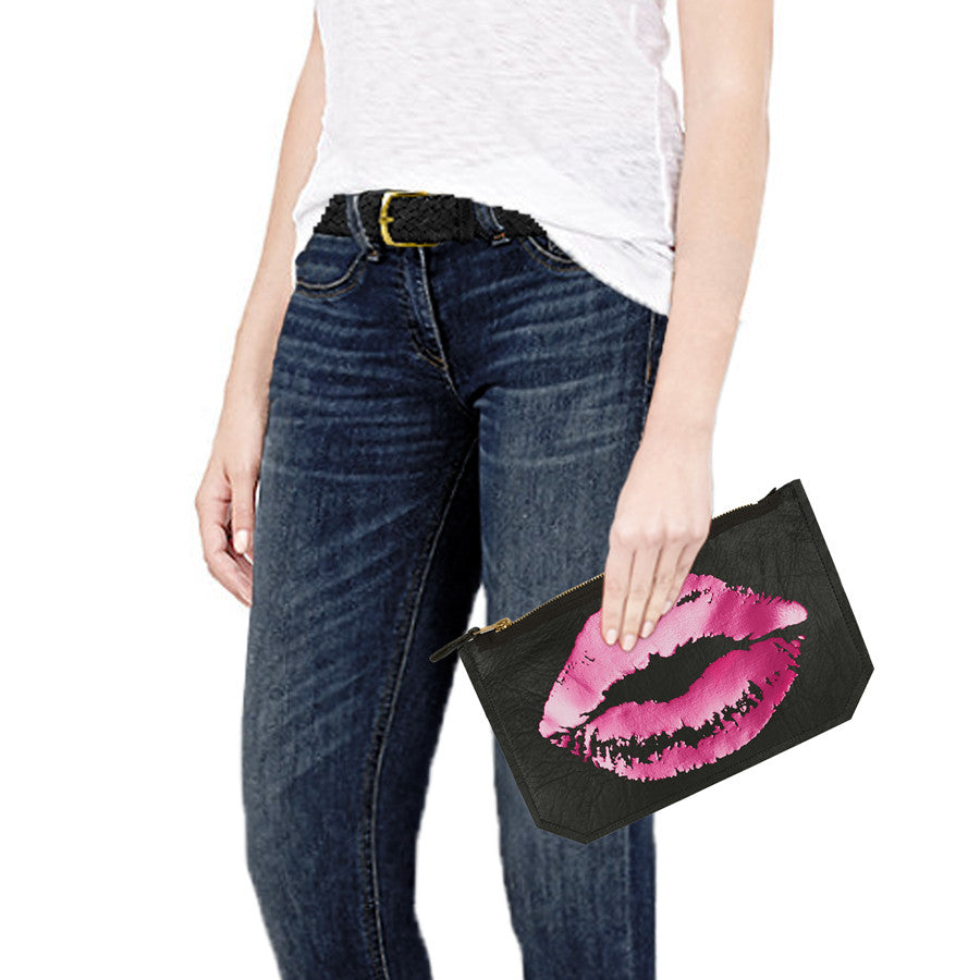 leather lips pouch