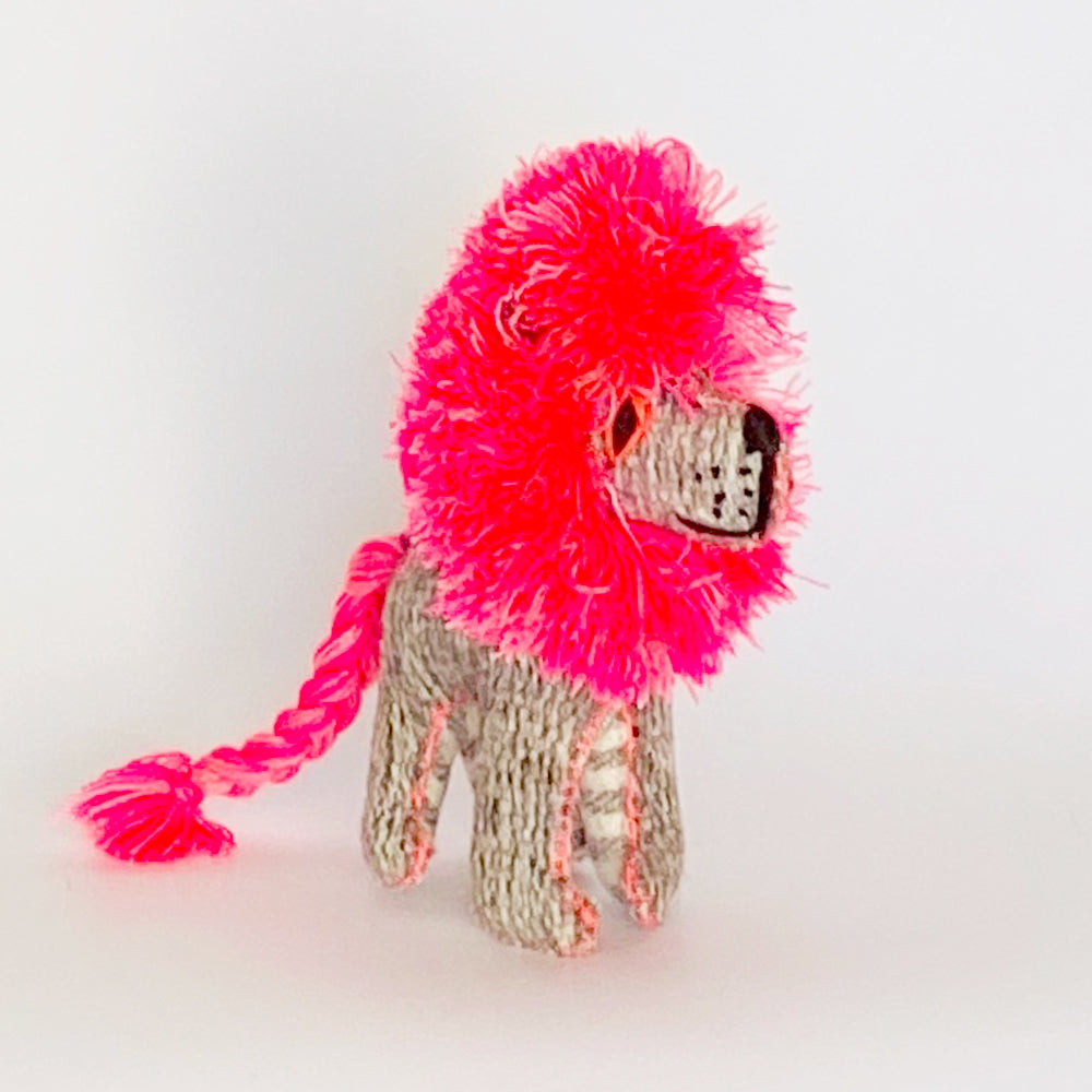 Handmade Shaggy Lion Pink | Medium