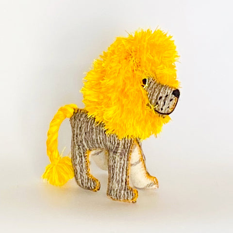 Handmade Shaggy Lion Yellow | Large