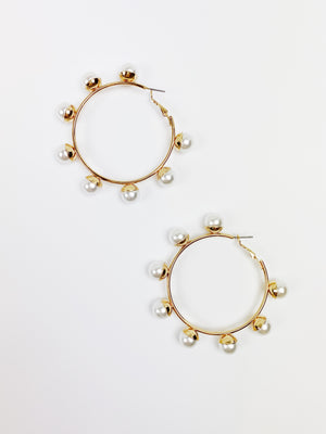 Pearly Go Round Earring