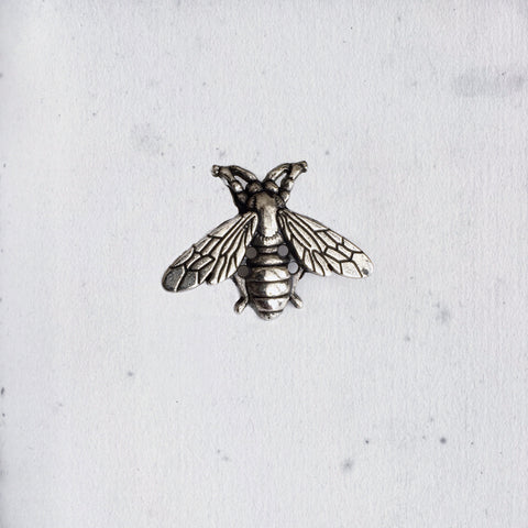 SILVERY BEE LAPEL PIN