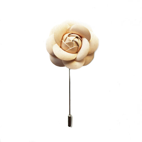 LEATHER FINISH NUDE BOUTONNIERE